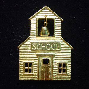 🆕 Old Fashioned School House with Bell Pin Brooch